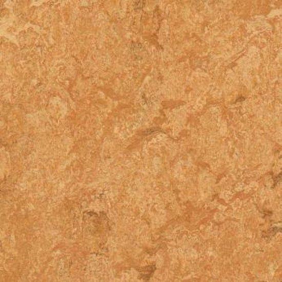 Marmoleum vloer met cementdekvloer verwijderen